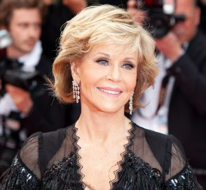 Women over 50 hairstyles - Jane Fonda with short layered hairstyle