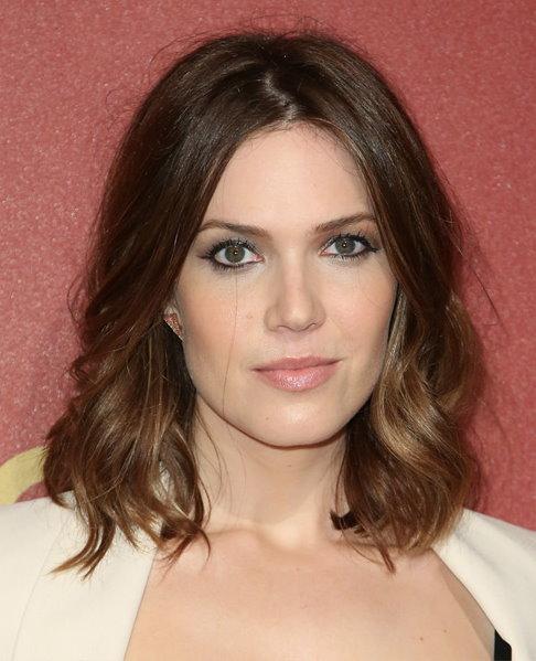 Mandy Moore long wavy hairstyle