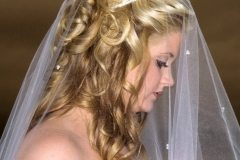 Wedding hairstyle with long flowing curls