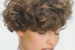 short-curly-hairstyle-10