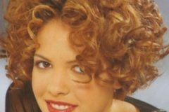 short-curly-hairstyle-2