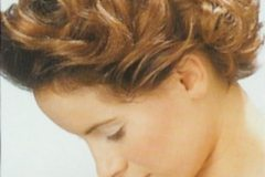 short-curly-hairstyle-5